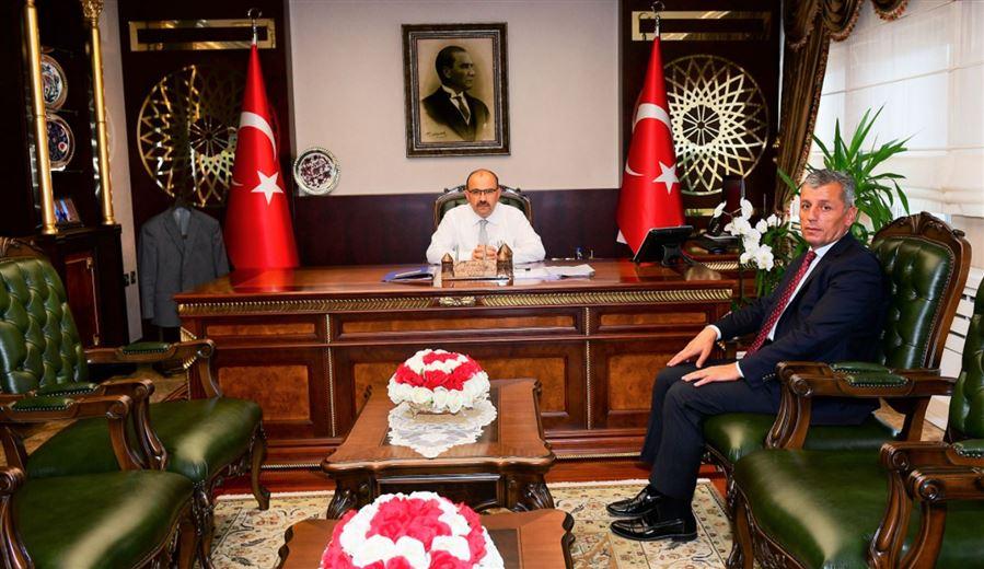 Bölge Müdürümüz Sayın Halil ŞAŞMAZ, Trabzon Valisi Sayın İsmail USTAOĞLU'nu makamında ziyaret etmiştir